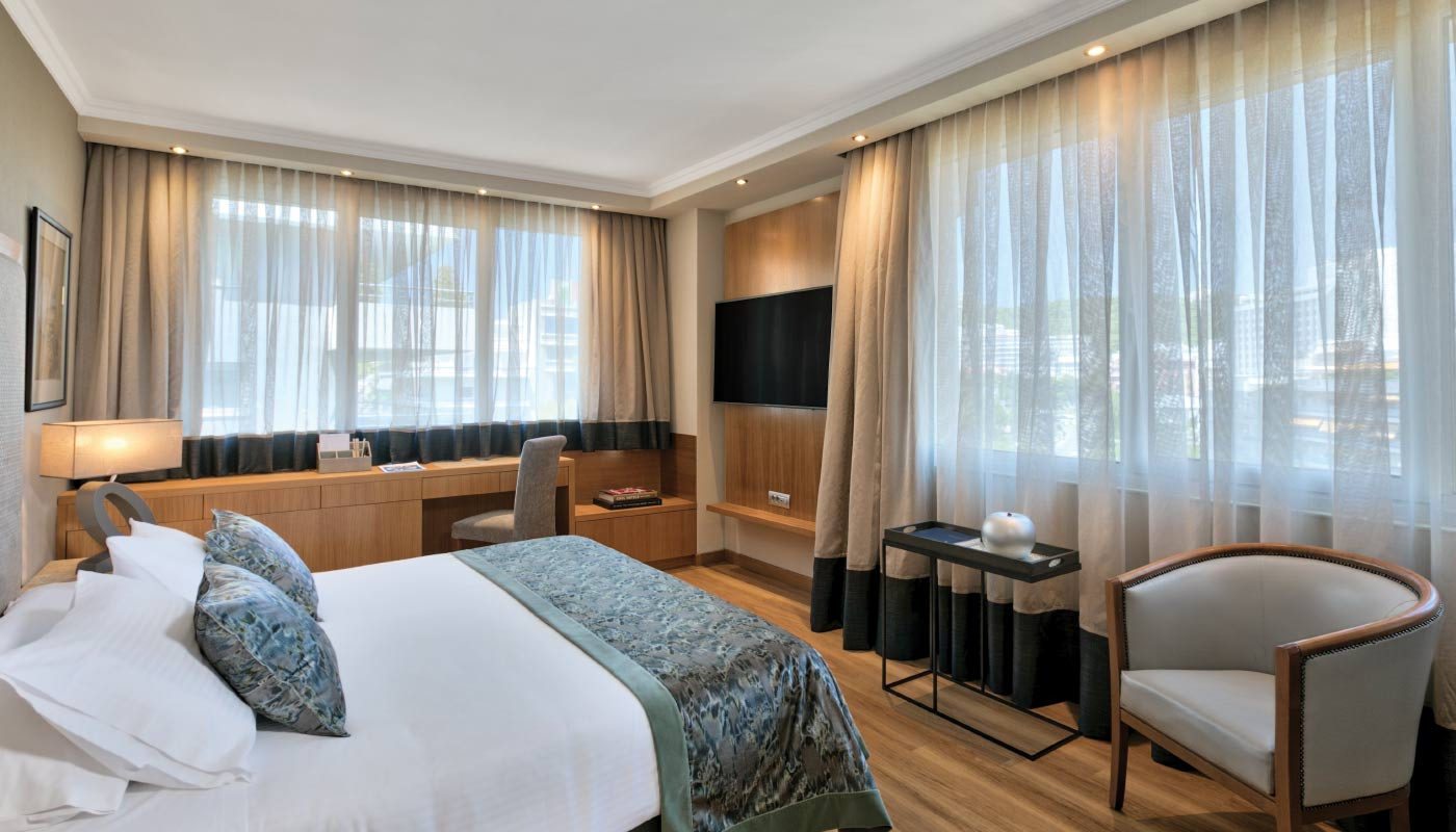 Divani Caravel Hotel - Divine Suite - Bedroom